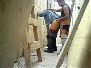 Macho Safado VIDEO Amador Vigia da obra comendo pedreiro | macho