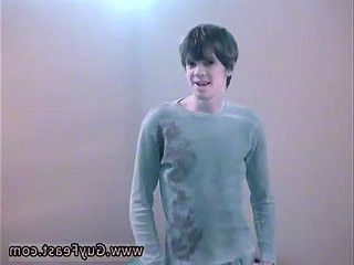 Photo gay france solo He looks pretty saucy when he unwraps down to | gays tube   photos   pretty   small   solo tv
