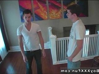 Gay guys Bryce met James online in a talk room and the met | gays tube  room  studs