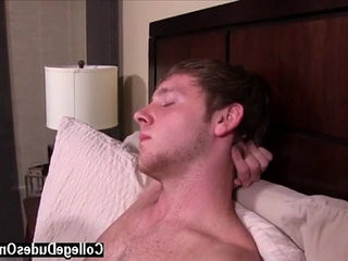 Gay fuck After a warm make out session, Trent goes right down | college  fucking  gays tube  right  session