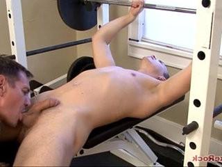 Gym Blowjob | blowjobs  cums  muscular