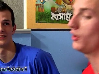 Amazing twinks That doesnt mean these college youngsters cant blow | amazing  blowjobs  college  twinks