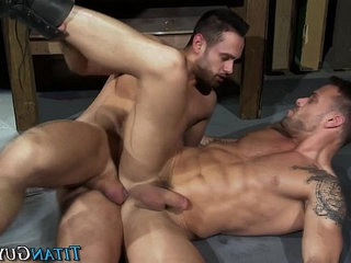 Muscly hunk rails asshole | asshole   bigcock   hunks best