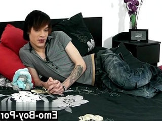 Gay twinks Hot emo youngster Lewis Romeo gets down and sloppy in his   emos hot  gays tube  getting  twinks  youngster